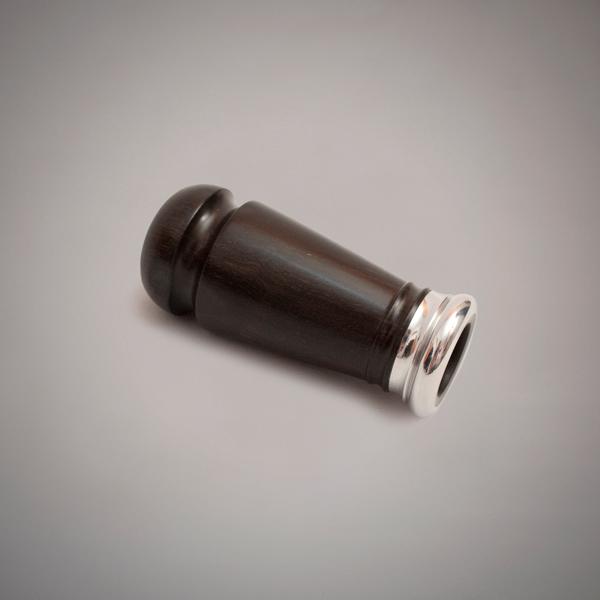 Buxa de punteiro de madera de granadillo y anillada en aluminio