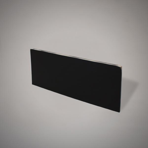 Plancha de metacrilato color negro de 12 mm de espesor