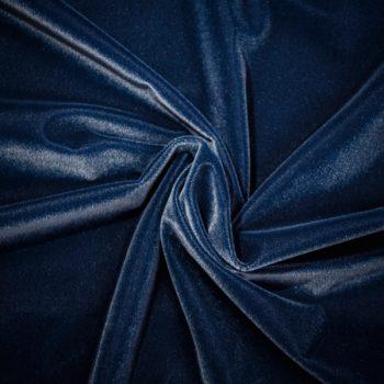 Detalle de tela de terciopelo color azul marino para vestido de gaita