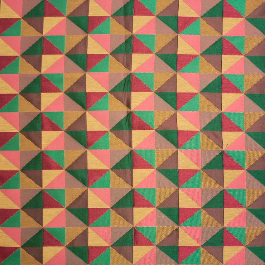 Tela estampada con motivos geométricos multicolor para vestidos de gaita